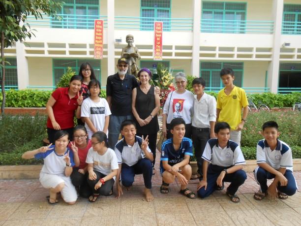 Thi's school