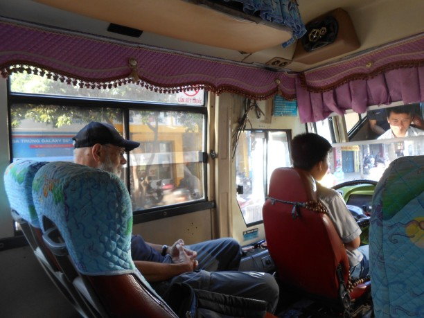 bus to Cu Chi