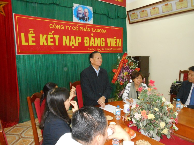 Dinh Quang Bao Chair of MB